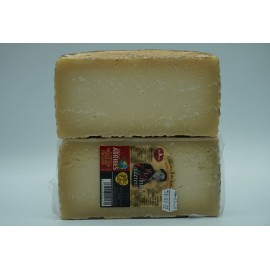 El abuelo calderero - 1/2 queso grande. 1,2 kg aprox.