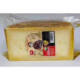 Queso  en aceite de oliva - 1/2 queso pequeño  El abuelo calderero. 0,650 kg aprox