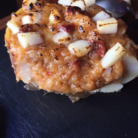 Receta de patatas rellenas de chorizo y queso