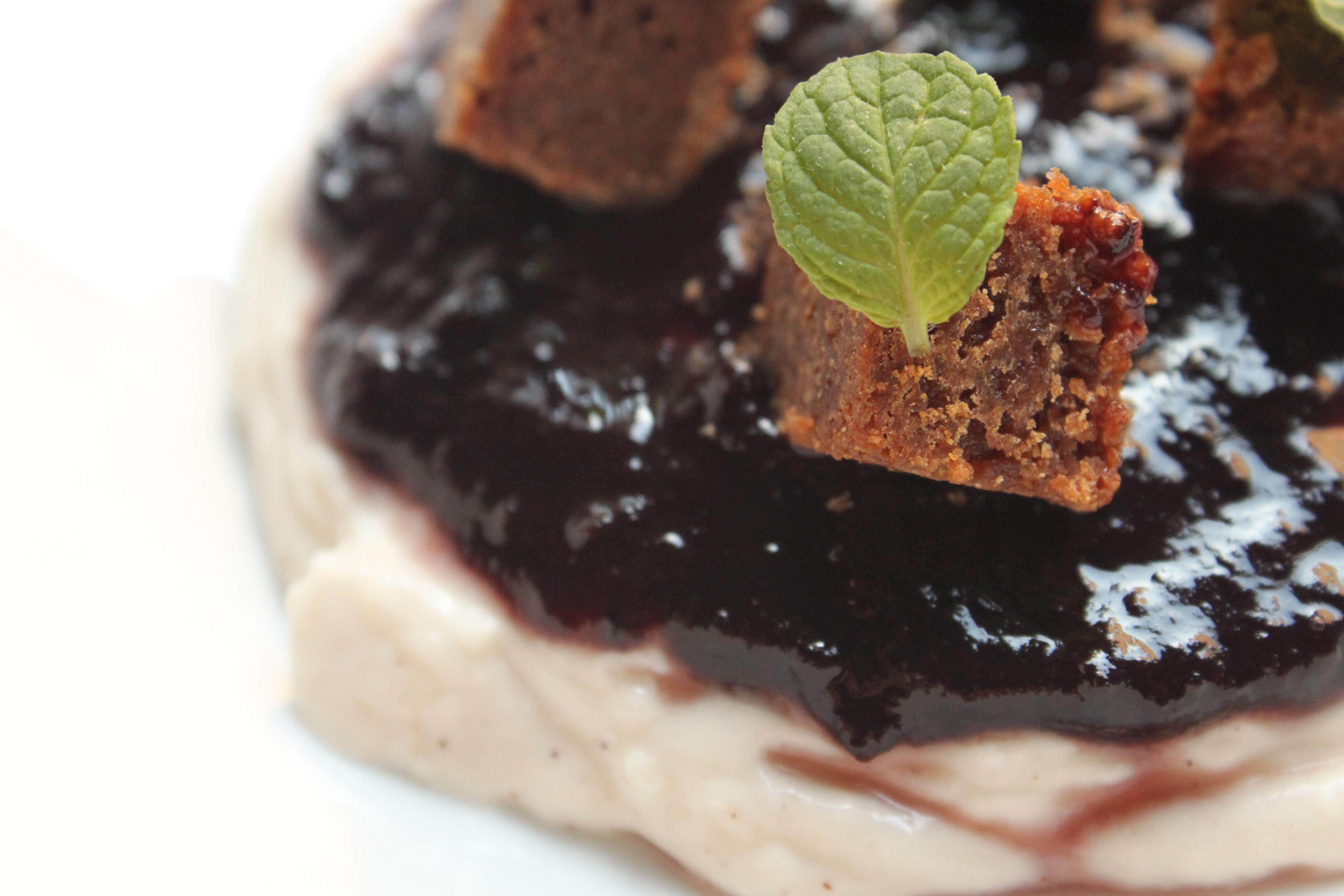 Brownie con crema de Queso de Hinojosa